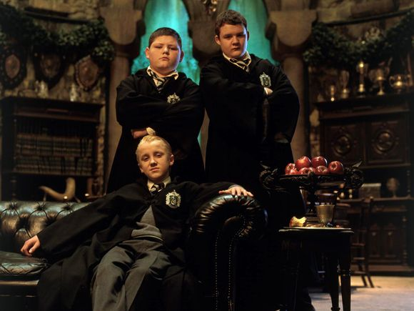 image from http://idigitalcitizen.files.wordpress.com/2010/11/draco-malfoy-hp2-boys.jpg