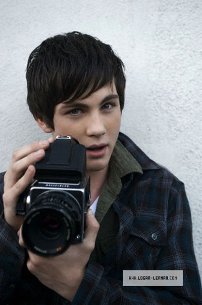 image from http://www.celebgossip.com/wp-content/uploads/2010/02/logan-lerman-camera-.jpg